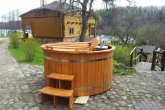 Hottub with inside heater and spruce wood_044