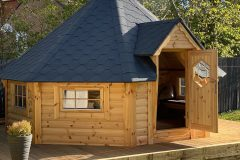 Ross cabin2
